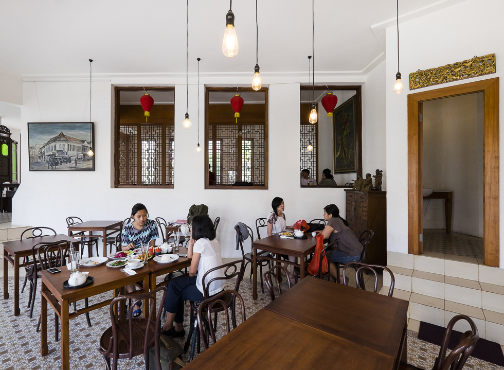 Revisiting the Value of the Past at Pantjoran Tea House