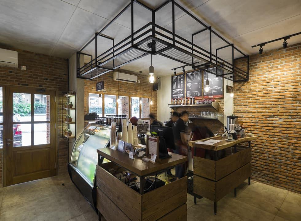 Anomali Coffee (Pakubuwono)