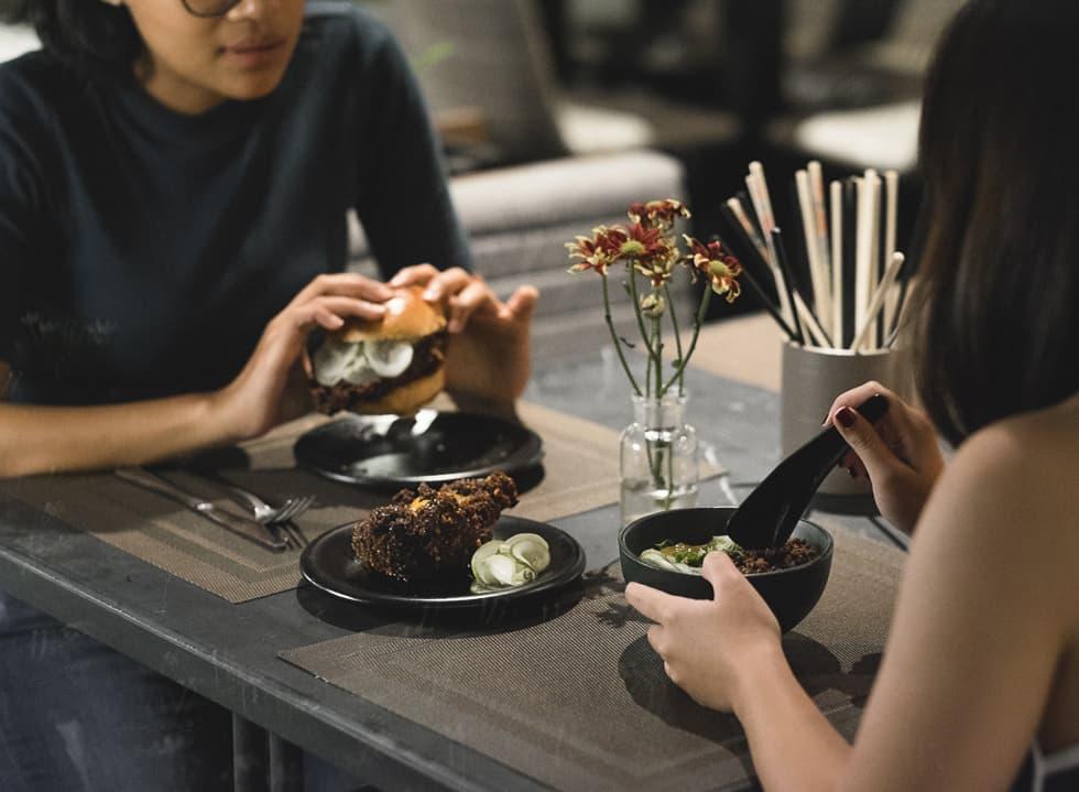A Table at Yū