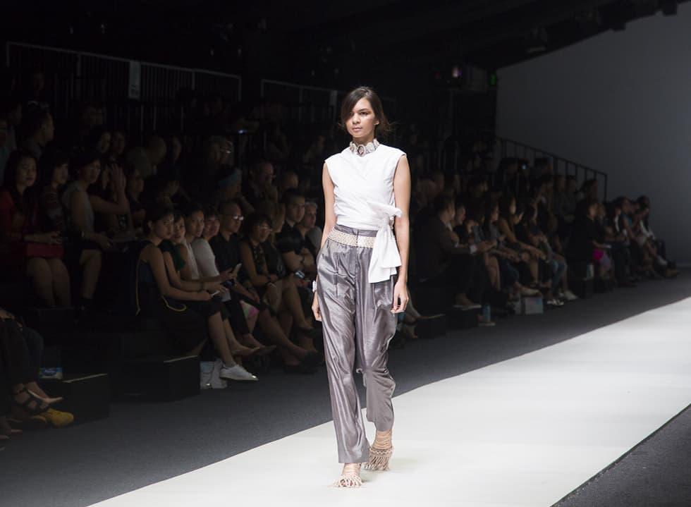 Jakarta Fashion Week 2016: Toton and Major Minor X Eko Nugroho