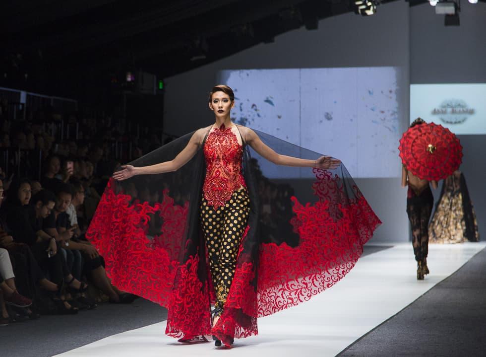 Jakarta Fashion Week 2016: Rinda Salmun and Anne Avantie