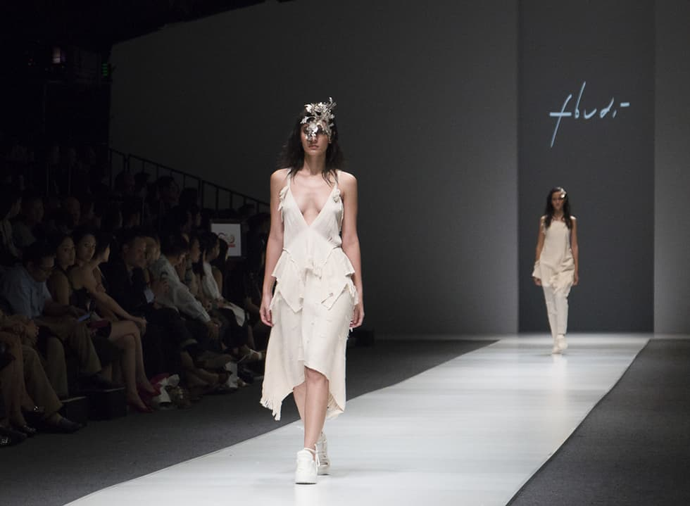 Jakarta Fashion Week 2016: fbudi, Lulu Lutfi Labibi, Haryono Setiadi, Peggy Hartanto, Rinaldy A. Yunardi