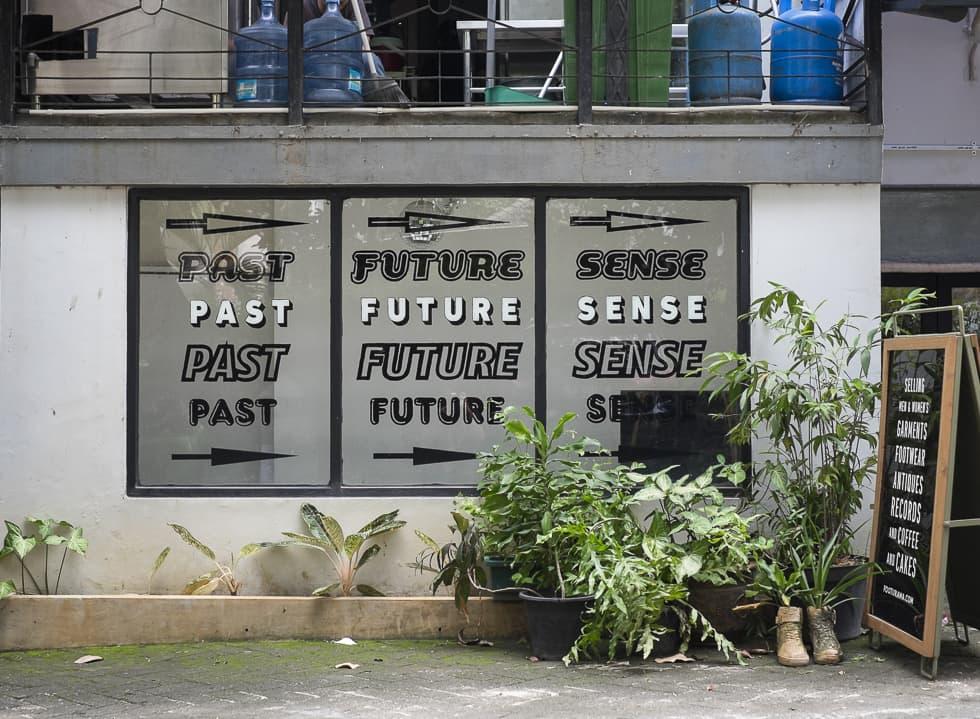 Past Future Sense at Footurama