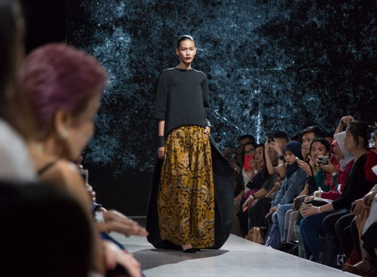 Plaza Indonesia Fashion Week 2018: Wilsen Willim, Lekat and KRATON Auguste Soesastro
