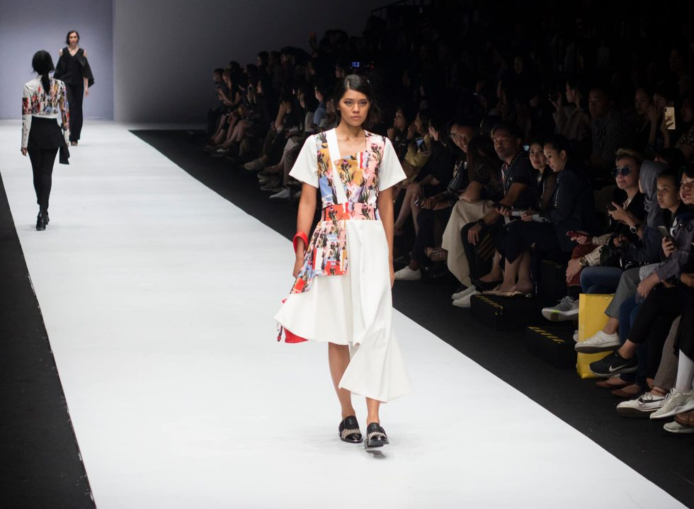 Jakarta Fashion Week 2019: Rinda Salmun and Tities Sapoetra