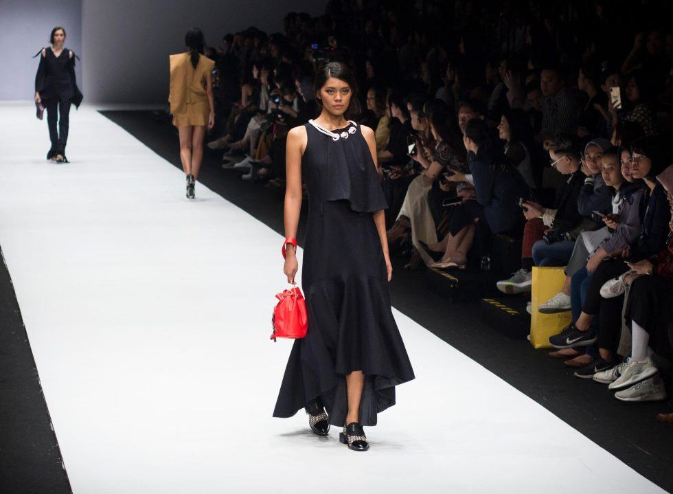 Jakarta Fashion Week 2019: Rinda Salmun and Tities Sapoetra
