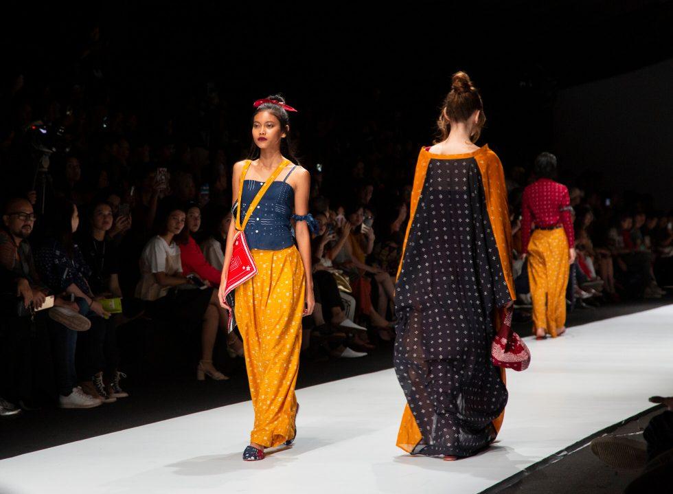 Risultati immagini per jakarta fashion week 2020