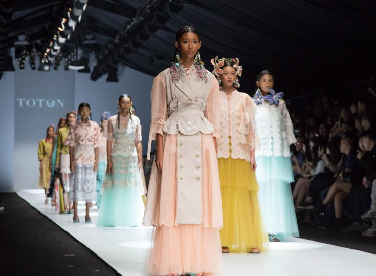 Jakarta Fashion Week 2020: PEGGY HARTANTO, IKYK and TOTON