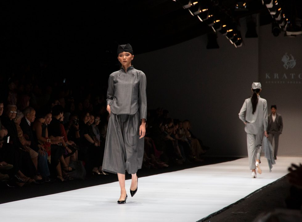 Jakarta Fashion Week 2020: Dewi Fashion Knights 2019