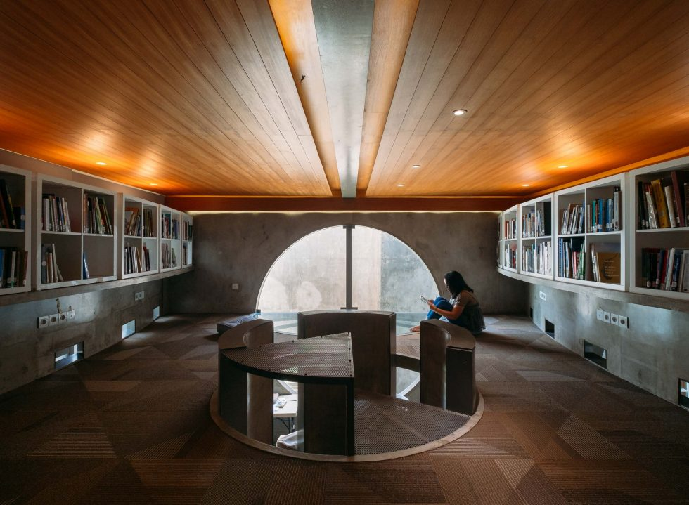 A Look into OMAH Library